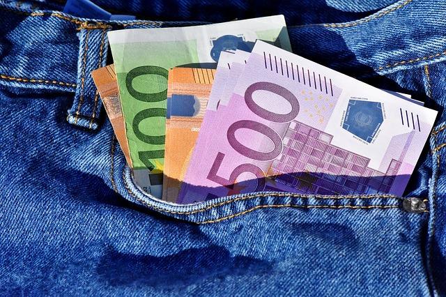 Peniaze vo vrecku.jpg
